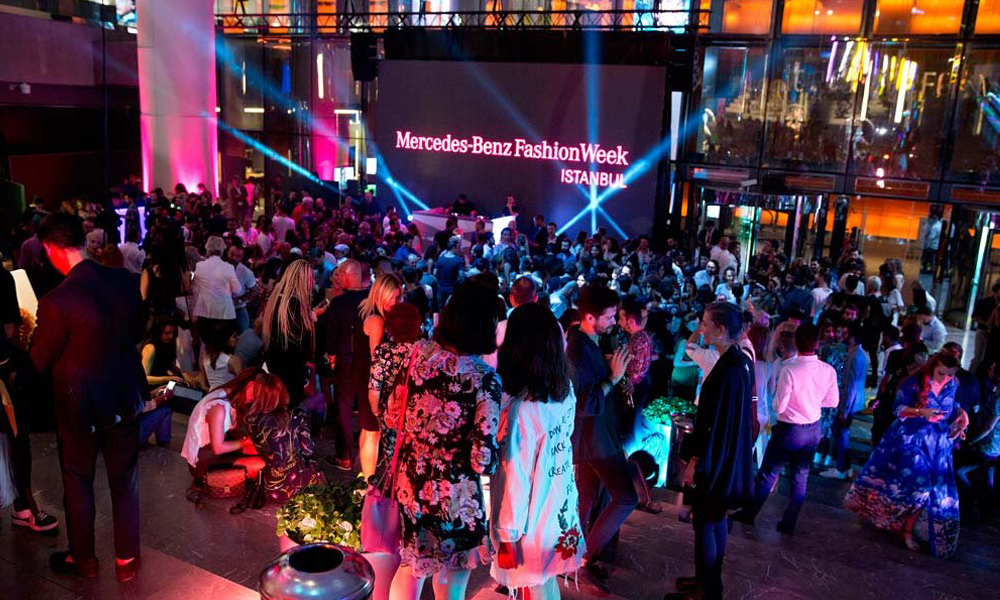 Mercedes Benz Fashion Week Başladı